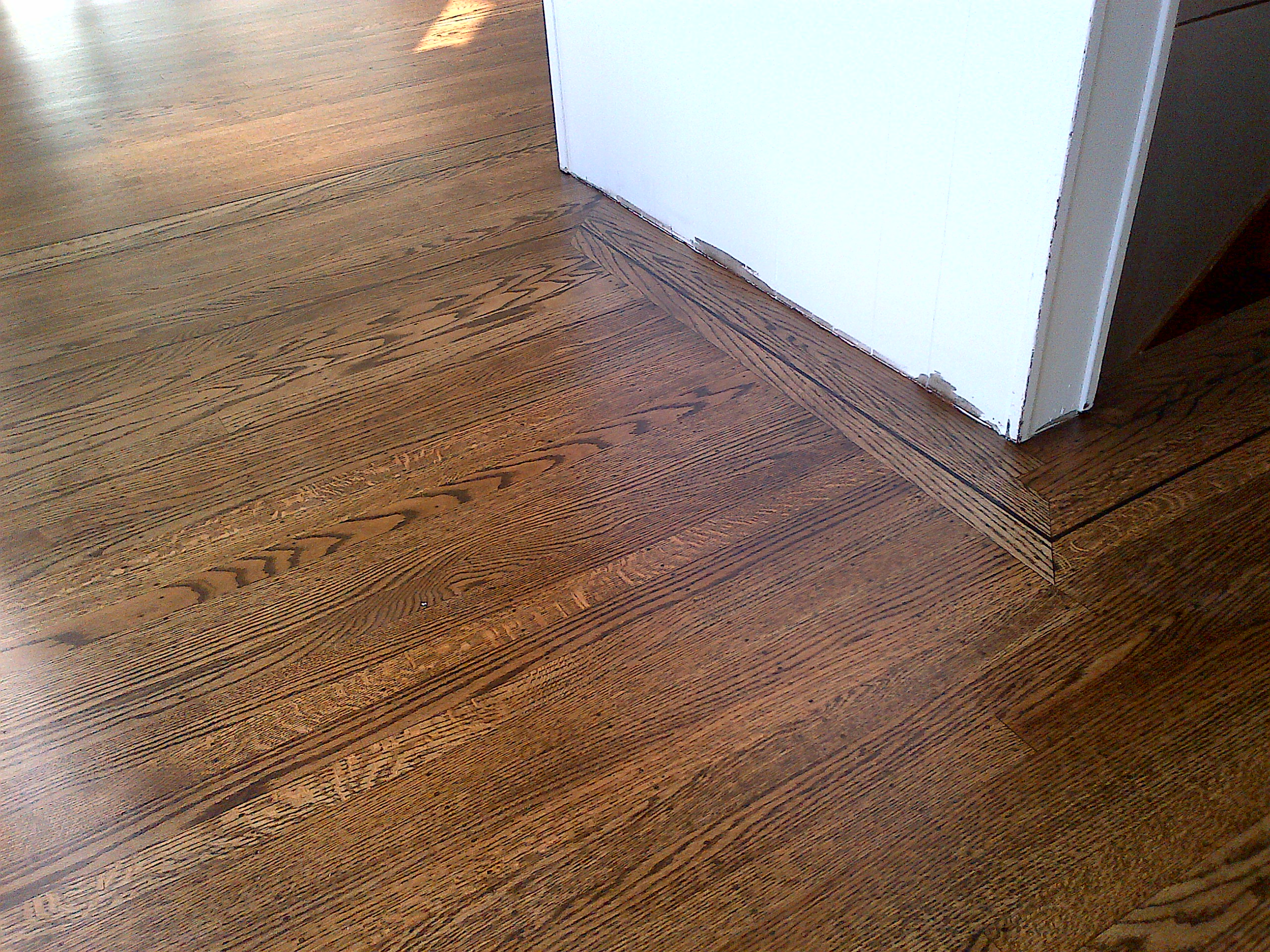 Vancouver bc dust free hardwood floor refinishing ahf for Floor to the floor