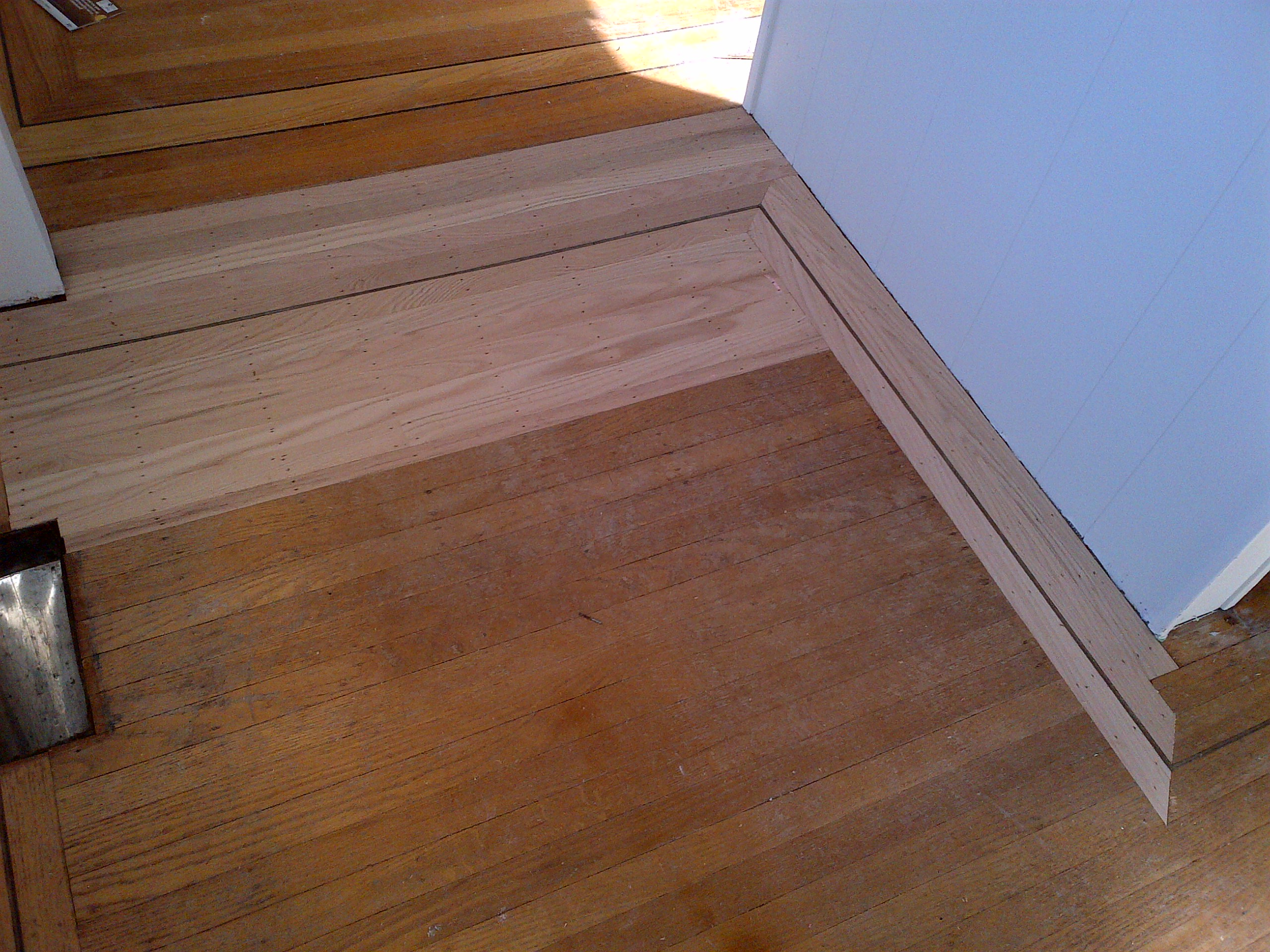 Hardwood floor refinishing vancouver carpet review for Hardwood floors vancouver